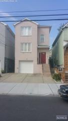 29 6th St, East Newark, NJ 07029