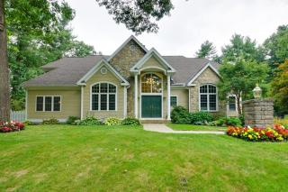 64 Albright Road, Sterling MA