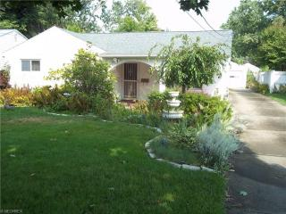 1656 Country Club Avenue, Youngstown OH