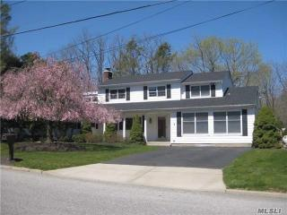 51 Rolling Road, Miller Place NY
