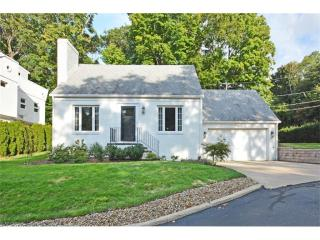 22650 Lake Road, Rocky River OH