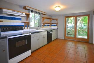 317 Converse Rd, Marion, MA 02738