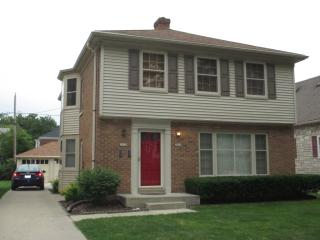 2033 N 85th St, Wauwatosa, WI 53226