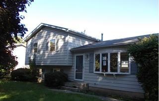 1916 Burr Oak Lane, Lindenhurst IL