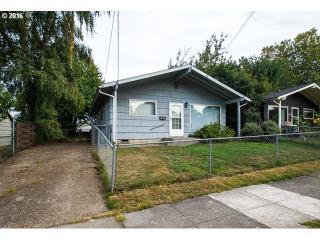 9726 North Oswego Avenue, Portland OR