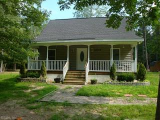 12375 Dogwood Trl, Gloucester Point, VA 23062