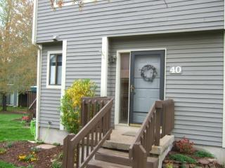 40 Silo Way, Bloomfield, CT 06002
