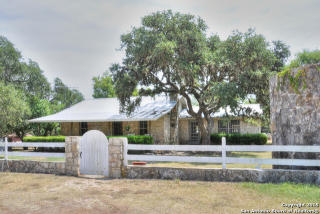 105 Spring Creek Road, Boerne TX
