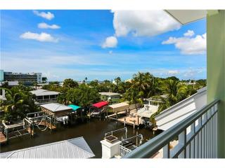 561 Palermo Circle, Fort Myers Beach FL