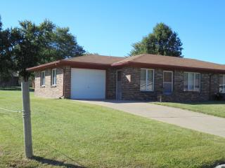 1029 S Gretchen Ave, Chanute, KS 66720