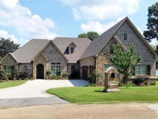 22165 Bluewater Road, Chandler TX