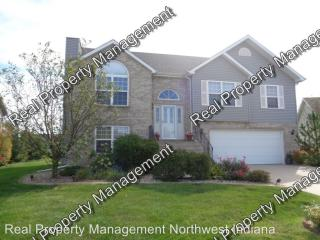 10487 Pinnacle St, Crown Point, IN 46307
