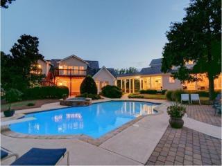 4746 Oakleigh Manor Drive, Powder Springs GA