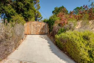 160 Ojai Drive, Oak View CA