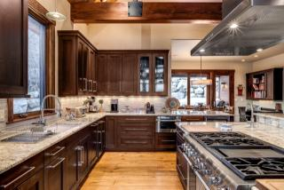 650 Steamboat Blvd, Steamboat Springs, CO 80487