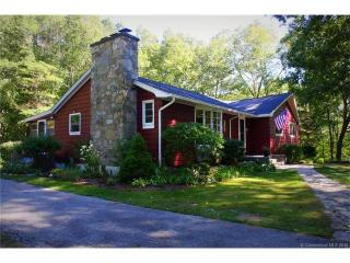 957 Long Cove Road, Gales Ferry CT