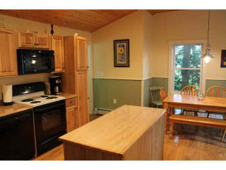 22 Pleasant St, Lincoln, NH 03251