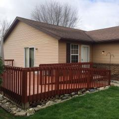 3 Edith Ct, Bowling Green, OH 43402