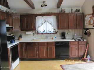 110 Inverness Ct, Milford, PA 18337