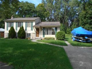 32621 Coach Drive, Chesterfield MI