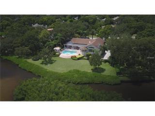 9083 Baywood Park Drive, Seminole FL