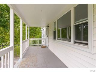 19 Barnum Rd, New Fairfield, CT 06812