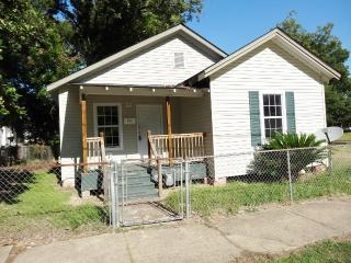 211 Lakeview St, Pineville, LA 71360