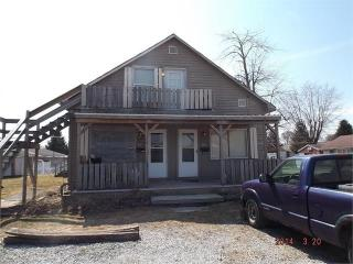 803 E 11th St, Rushville, IN 46173