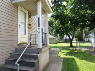 1022 1/2 S 8th St, Richmond, IN 47374