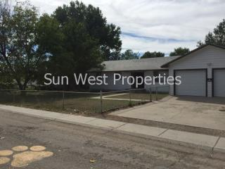125 E Pine Ave, Bloomfield, NM 87413