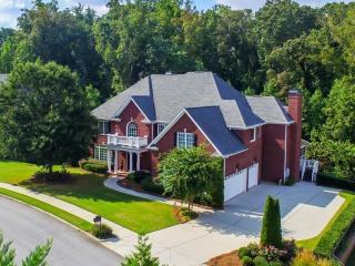 2503 Oak Grove Ests Northeast, Atlanta GA