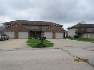 50 Gilliam Ct, Chatham, IL 62629