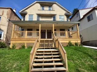 1501 Electric St, Dunmore, PA 18509