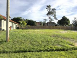 1030 Southwest Dubois Avenue, Port Saint Lucie FL