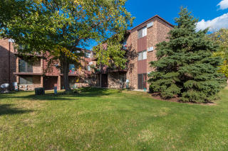164 Dunteman Drive #202, Glendale Heights IL