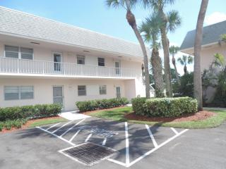 18081 Southeast Country Club Drive #5-50, Tequesta FL