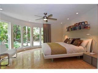 106 West 4th Court, Miami Beach FL