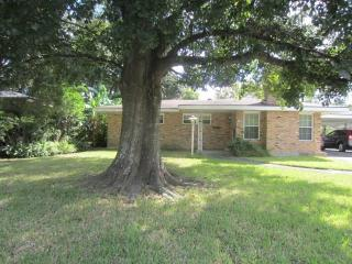 1748 Holiday Drive, New Orleans LA