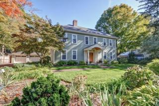 28 S River St, Wellesley, MA