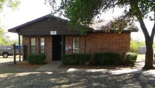 420 S 3rd St, Normangee, TX 77871