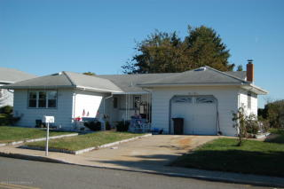 210 Barbados Dr N, Toms River, NJ 08757