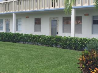 1052 Ainslie D, Boca Raton FL