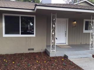 2929 East Dakota Avenue, Fresno CA