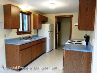10 Johns St, Rockland, ME 04841