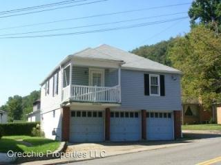313 Marland Heights Rd, Weirton, WV 26062