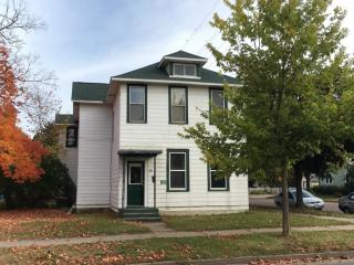 378 E Howard St, Winona, MN 55987