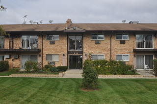 832 East Old Willow Road #203, Prospect Heights IL