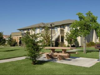 190 N Coventry Ave, Clovis, CA 93611