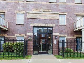 822 East Bowen Avenue #3B, Chicago IL