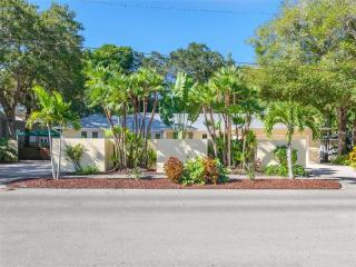 980 South Orange Avenue, Sarasota FL